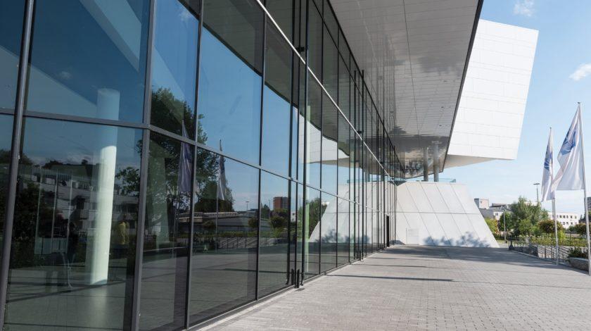 Fassadenentwässerung eines Bürogebäudes