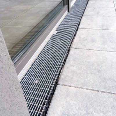 Nullbarriere unter einer Eingangstüre