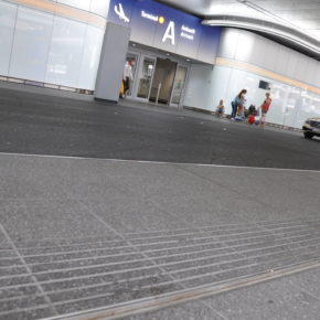Flughafen Frankfurt Entwässerungsrinne Ankunftsebene Terminal 1