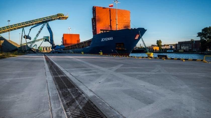 Nabrzeże przemysłowe port Gdańsk odwodnienie